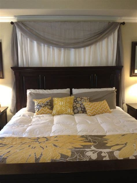 headboard curtains 25 best ideas about curtain behind headboard on pinterest