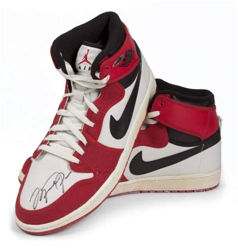 best pair of basketball shoes michael signed nike air 1 retro shoe