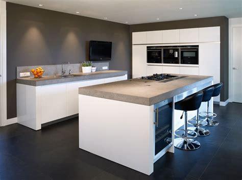goede keukens keukenblad goede kleur wijnkast mooi kasten ingebouwd