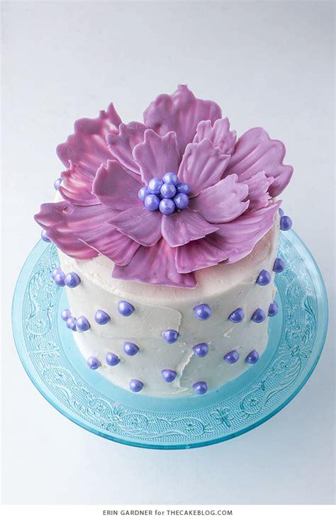 Flower Arrangement Techniques by Chocolate Flower Cake