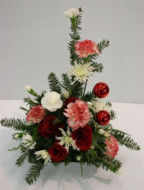easy fresh flower arrangements 53 best images about christmas floral on pinterest