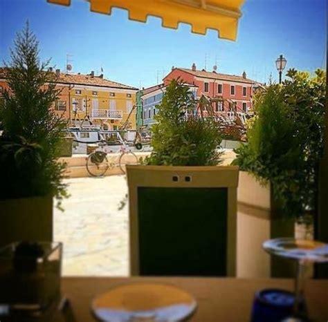 ristoranti sul porto canale cesenatico grigliata foto di ristorante da giuliano al porto canale