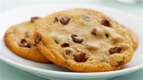 toll house chocolate chip cookies original nestl 201 174 toll house 174 chocolate chip cookies dollar general easy meals