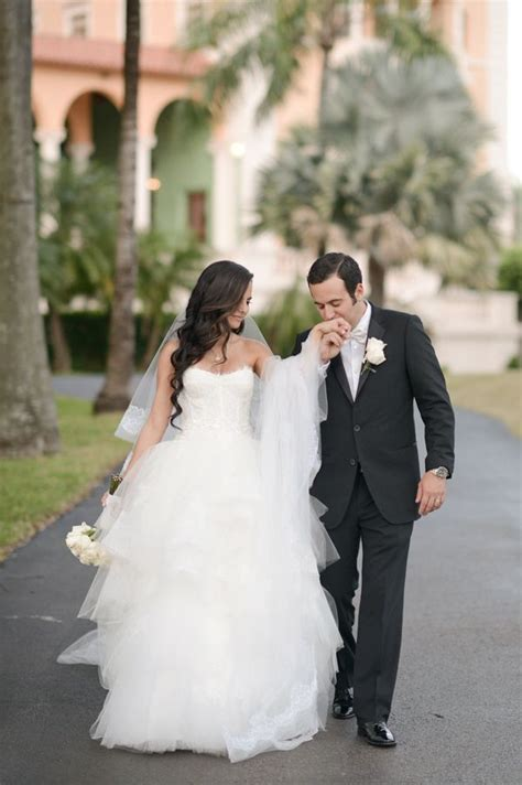 And Groom Wedding Photos by Wedding Pictures And Groom Ideas Www Pixshark
