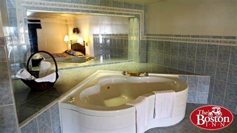 hotels with tubs in the room luxurious suite the boston inn