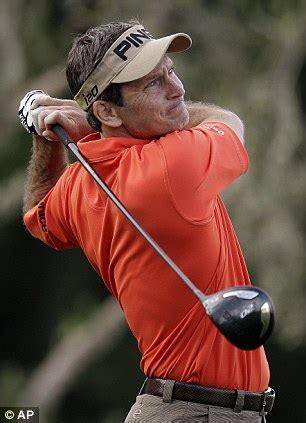 mark wilson golf swing mark wilson joins ben crane and david toms in share of