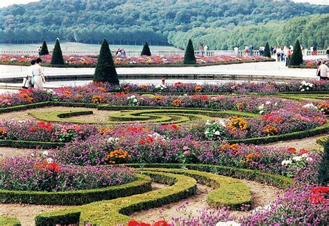 the most beautiful gardens in the world gardens of versailles the most beautiful gardens in the