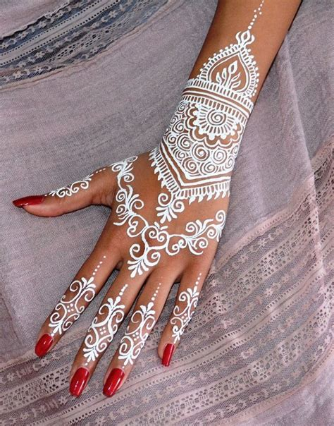 how is a henna tattoo done 58 best henna images on henna tattoos