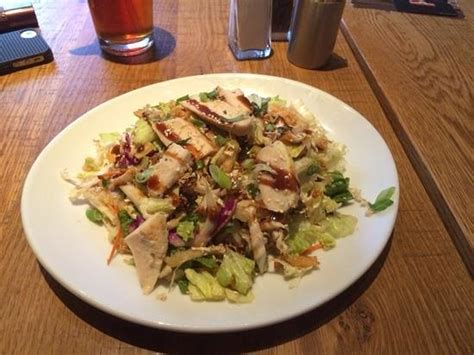 chinese chicken salad picture of california pizza