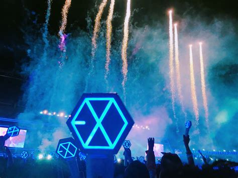 what you missed at exo s 2017 concert in singapore cleo streaming 170528 exo rdium dot encore concert in seoul
