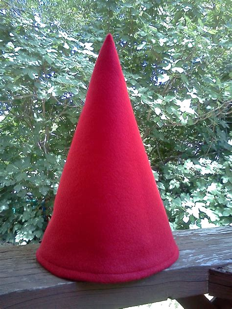 pattern for felt gnome hat elf gnome costume pieces sewing projects burdastyle com