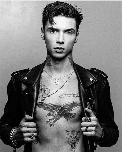 andy biersack tattoos resultado de imagen de andy black andy and juliet