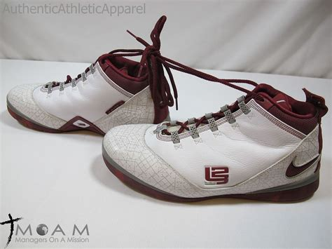 maroon and white basketball shoes maroon and white nike basketball shoes