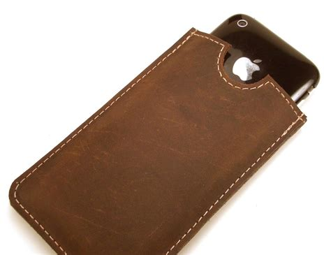 Handmade Leather Cases - handmade iphone 4 leather gadgetsin