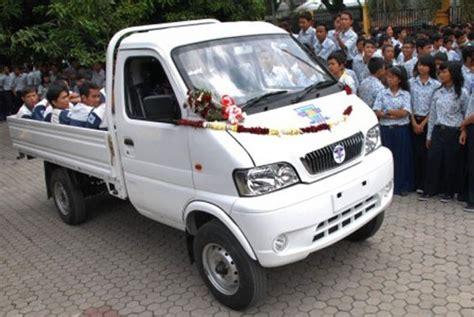 Tv Mobil Banjarmasin gandeng cina smk banjarmasin rakit truk mini republika