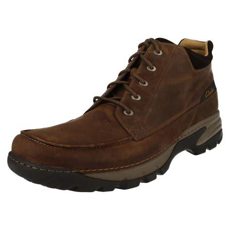 Boot E Sapi 60 herren clarks leder schn 252 rbar stiefel putz path ebay