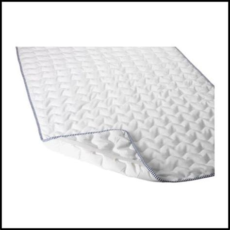 Mattress Pad Vs Mattress Topper by Why Use A Mattress Pad Here S A Few Reasons Why You