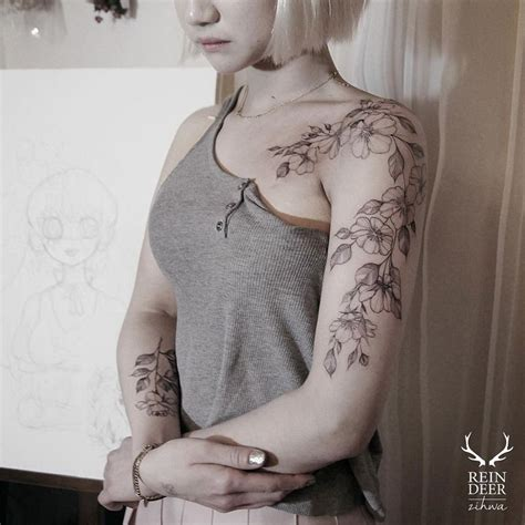 flower shoulder tattoo pretty floral arm shoulder best ideas