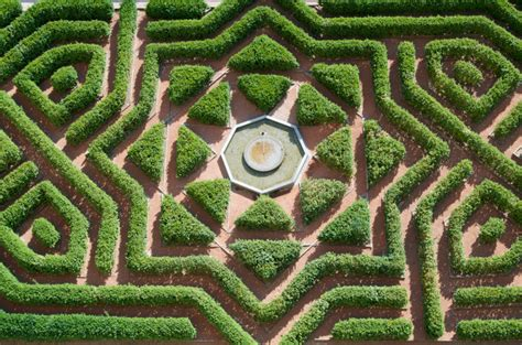 Tudor Home Designs by 48 Quot Mind Boggling Quot Hedge Maze Amp Garden Labyrinth Designs