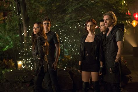 city of bones the mortal instruments city of bones picture 10