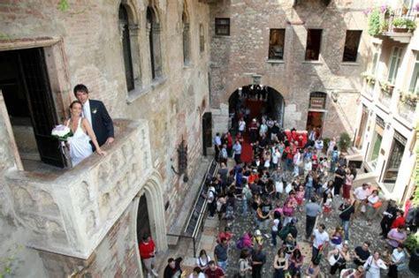 verona casa romeo e giulietta verona matrimonio nella casa di giulietta panorama sposi