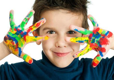 imagenes niños haciendo manualidades beneficios de las manualidades creativas para ni 241 os imujer