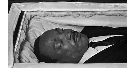 famous people in their caskets haunting photos of celebrities in their caskets