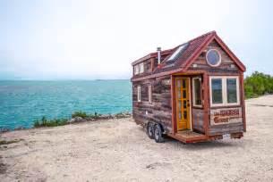 tiny house florida florida keys tortuga titanic lobster warrior tiny house giant journey