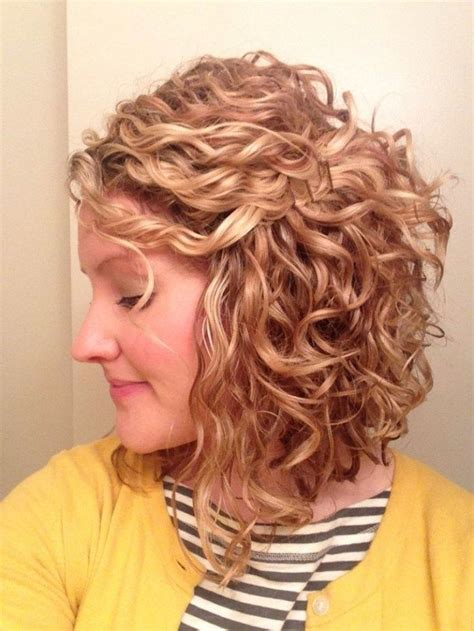 curly inverted bob hairstyle pictures wavy inverted bob hairstyles www pixshark com images