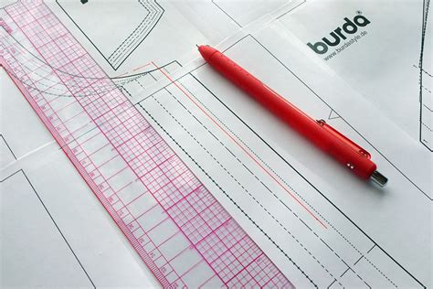 pattern allowances pdf fleece sweatshirt sew along with burdastyle spoonflower blog