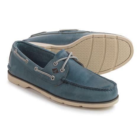 2 eye boat shoes sperry leeward 2 eye boat shoes for men