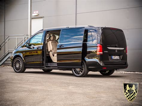 Chauffeur Limousine by Bildergalerie Chauffeurservice