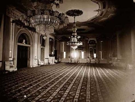 lincoln s ghost spotted in white house or maybe not does ghost of lincoln haunt the white house the ghost