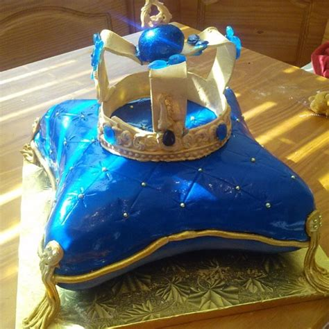Royal Themed Baby Shower Cake   CakeCentral.com