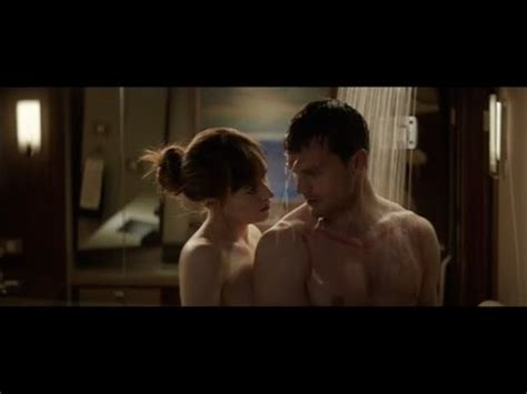 is there a shaving scene in fifty shades of grey dakota johnson
