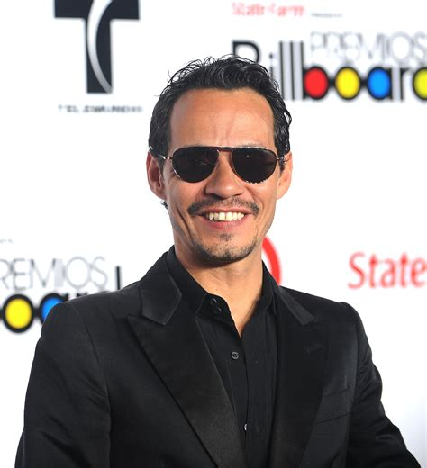 Marc De by Marc Anthony Splits From Model Kisses Ex