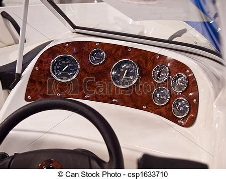 speed boat dashboard stock fotografie van instrumenten speedboat dashboard