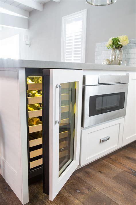Wine Cooler Kitchen Cabinet Interior Design Ideas Home Bunch Interior Design Ideas