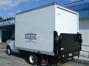 rental trucks with lift gate rent moving truck images frompo 1