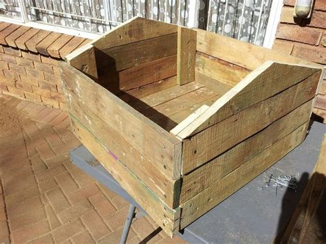 how to build a dog house easy and cheap how to build a dog house with pallets