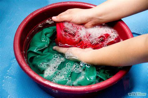 wash color clothes in cold water kenapa harus cuci pakaian yang baru dibeli fesyen