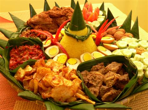 cara membuat nasi kuning tumpeng 11 reasons not to try indonesian food indochili