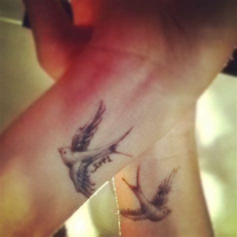 swallow bird tattoo on wrist best 25 wrist ideas on