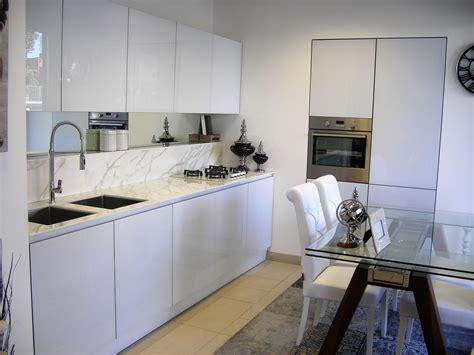 cucine in vetro temperato cucina in vetro bianco lucido cucine a prezzi scontati