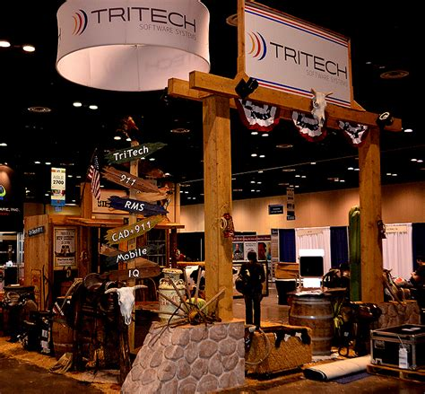 Gift And Home Decor Trade Shows Western Props Decor Western Props Western Stage Props Props Trade Show