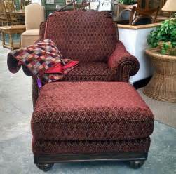Overstuffed Chairs With Ottoman Overstuffed Chair With Ottoman Dooverz Consignment Store