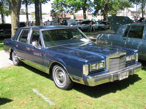 1988 lincoln town car reviews lincoln town car 306px image 7