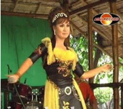 download mp3 dangdut gula gula agustus 2013