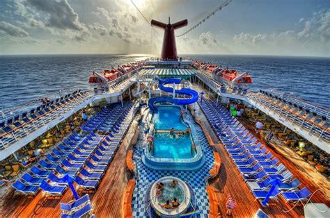 paradies decken pool deck daytime cruise carnival paradise