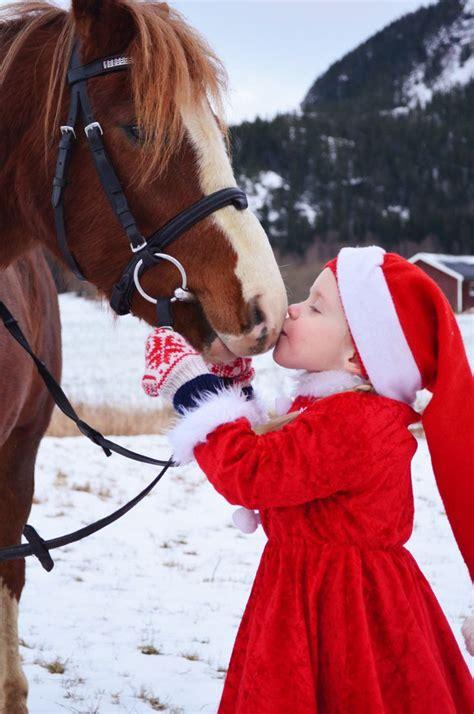 images of christmas kisses so sweet christmas winter snow photography christmas